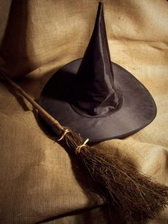 This is what I want my tattoo to be.... The hat & broom of the Wicked Witch.