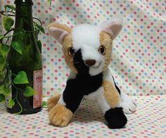 初めまして!!三毛ちゃんズです。といっても、普通の三毛猫さんたちです。三毛猫3匹で三毛ちゃんズを結成しました!!白黒茶の三毛猫のぬいぐるみです。この子は、白ベ...|ハンドメイド、手作り、手仕事品の通販・販売・購入ならCreema。