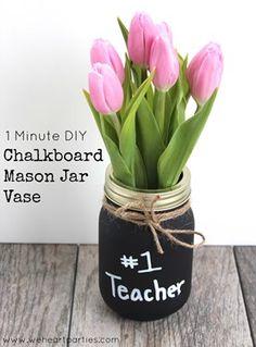 1 Minute DIY Chalkboard Mason Jar tutorial from @weheartparties
