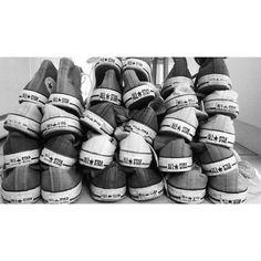 fam sneakers #converse #oldschool #lanuitestchaude