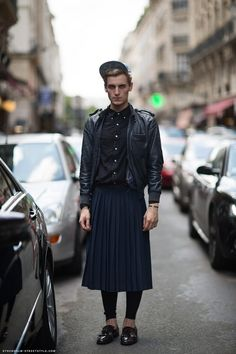 In Defense of the Man Skirt. A man in a skirt is a matter of personal taste, but the idea has kept an unnoticed hold on the world of designers nonetheless. Unisex Fashion, Boy Fashion, Mens Fashion, Hippie Fashion, Fashion Styles, Mode Masculine, Street Style Stockholm, Guys In Skirts, Men Wearing Skirts