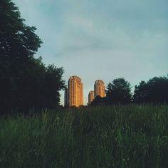 Hit the spotlight... #landscape #buildings #socialistarchitecture #brutalism #modernarchitecture #brutalistarchitecture #belgrade #ig_serbia #serbia by helenedevoa