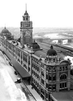 Flinders St Station - Taken in Melbourne, Victoria, Australia Melbourne Architecture, Vintage Architecture, Historic Architecture, Urban Architecture, Melbourne Australia, Brisbane, Sydney, Melbourne Cbd, Melbourne Victoria