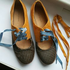 Saddle  shoes, good condition,  extra laces There is some discoloration on gold, back, see pic Anthropologie Shoes