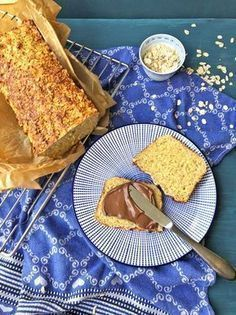 A very simple and quick recipe- Haferflockenbrot. Ein ganz einfaches und schnelles Rezept Bake oatmeal bread yourself? With this recipe it is quick and easy and the oatmeal bread is the perfect breakfast bread that children also love. Quick Recipes, Baby Food Recipes, Low Carb Recipes, Baking Recipes, Dessert Recipes, Bread Recipes, Party Desserts, Healthy Recipes, Oatmeal Bread