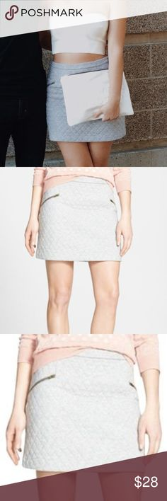 """NWT Nordstrom Hinge Quilted Skirt Size Small NWT. Nordstrom Hinge quilted gray skirt with zipper pocket detailing. A darling skirt. 15.5"""" length, 14.5"""" waist. Thanks for shopping my closet! Nordstrom Skirts Mini"""