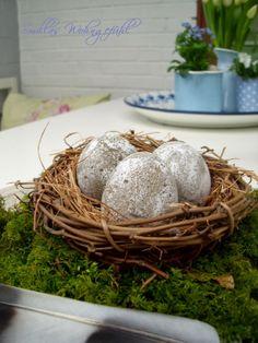 DIY Concrete Easter Eggs, so easy! Oster Deko ganz einfach selbst gemacht, mit Anleitung für Beton-Eier