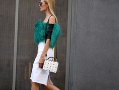 #style #streetstyle #fashion #streetfashion #street #fashionweek #berlin #mbfw #mbfwb #moda #mode #details #bag #skirt #white #furry