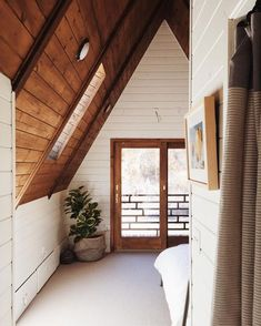 Cozy a-frame cabin corners we'd love to escape to! Photo by A-Frame Haus A Frame Cabin, A Frame House, Minimalism Living, Cabin Interiors, Cabin Homes, Interior Exterior, Interior Design, House Goals, Scandinavian Style