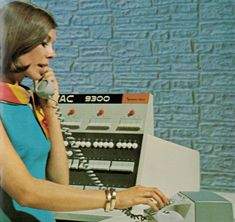 Retro Office, Vintage Office, Computer Photo, Office Phone, Tech Gadgets, Landline Phone, Restoration, History, Tv