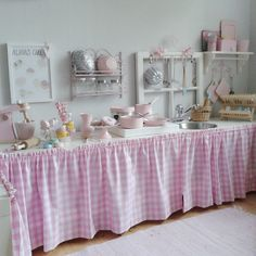sweet play kitchen..genius to be that creative. This looks so much more enjoyable than the ones you can buy
