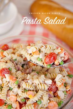 This tasty pasta salad is the perfect side dish for your next Summer get together! The best part is the greek yogurt dressing is low in fat, high in protein and has fewer calories than traditional dre (Chicken Bacon Rice) Bacon Ranch Pasta Salad, Chicken Bacon Ranch Pasta, Pasta Salad Italian, Pasta Salad For Kids, Easy Pasta Salad Recipe, Strip Steak, Brunch, Tilapia, Healthy Recipes