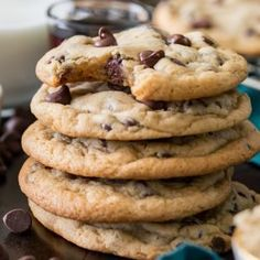 The WORST EVER Chocolate Chip Cookies. The WORST EVER Chocolate Chip Cookies Recipes Are they the worst or are they the best chocolate chip cookies in existence? Either way, this easy, soft chocolate . Sugar Cookies Recipe, Cookie Recipes, Dessert Recipes, Tasty Cookies, Coconut Cookies, Coconut Macaroons, Dinner Recipes, Best White Cake Recipe, Soft Chocolate Chip Cookies