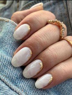 Round Nail Designs, Cute Acrylic Nail Designs, Fall Nail Designs, Gold Designs, Fall Nail Ideas Gel, Gold Acrylic Nails, Almond Acrylic Nails, Simple Fall Nails, Autumn Nails