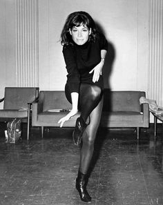 pantyhose moore Mary tyler