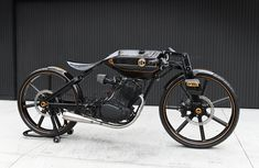 Custom hand built bike apparently took 10 years to complete ::: Motorräder und Motorroller ABC 500 Concept Motorcycles, Cool Motorcycles, Vintage Motorcycles, Motorcycle Design, Bike Design, Cafe Racer Moto, Cafe Racers, Electric Bike Kits, Futuristic Motorcycle