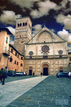gubbio (italy) | my places | pinterest | italien, Hause ideen