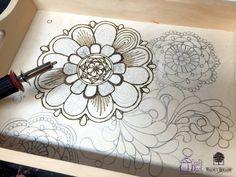Walnut Hollow serving tray - Versa Tool - Wood burning the zentangle design