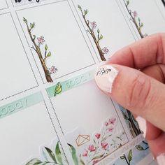 "47 mentions J'aime, 4 commentaires - Linou's pots (@linouspots) sur Instagram: ""Last steps for the next week... some headers and I'm done! 🌱🌸💕 Dernières étapes pour la semaine qui…"" Watercolor Stickers, Funniest Things, Erin Condren Life Planner, Pots, Bullet Journal, How To Plan, Pictures, Instagram, Animales"