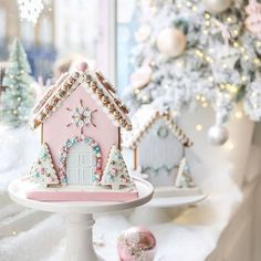 I'm Dreaming Of A Pink Christmas - The bakery - This Christmas pink Gingerbread house has my heart!- See more pink Christmas ideas on B. Pink Christmas Decorations, Christmas Desserts, Christmas Treats, Christmas Baking, Christmas Cookies, Christmas Recipes, Christmas Gingerbread House, Noel Christmas, Xmas
