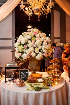 | Wedding at Belle Meade Plantation | Fete Nashville Luxury Wedding Planning | Luxury Nashville Wedding Planner | Fete Nashville Event Design | Best Wedding Planner Nashville | Gold | Flowers | Light Pink | Candles | Reception | Ceremony | Outside | Inside |