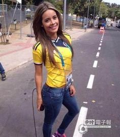 世界杯最美!哥倫比亞女記者一夜爆紅 -