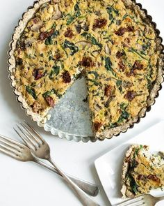 Sun-Dried Tomato, Mushroom, And Spinach Tofu Quiche | 23 Vegan Meals With Tons Of Protein