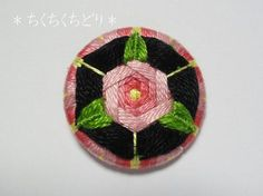 Роза Fancy Buttons, Diy Buttons, How To Make Buttons, Button Art, Button Crafts, Circular Weaving, Dorset Buttons, Fabric Embellishment, How To Make Box