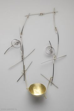 Andrea Wippermann - necklace Japanischer Garten I, 2011, gold, high-grade steel - 360 x 210 x 50 mm,