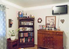 Värimaailman muutosta ja remppaa   Sisustuksen Helmi Bookcase, Shelves, Home Decor, Shelving, Decoration Home, Room Decor, Book Shelves, Shelving Units, Home Interior Design