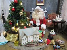 Miniature - 7/Santa places the toys | Flickr - Photo Sharing!
