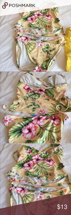 Jantzen floral tankini Bright pink hibiscus and yellow tiger lilies adorn this Jantzen yellow tankini. Jantzen Swim Bikinis