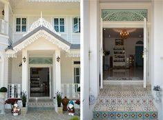 บ้านสไตล์โคโลเนียล - บ้านไอเดีย เว็บไซต์เพื่อบ้านคุณ White Houses, Colonial, Mansions, House Styles, Places, Home Decor, White Homes, Decoration Home, Room Decor