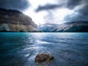 Las rocas y el mar se miraron cara a cara, y el tiempo se detuvo.