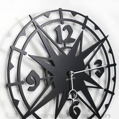The colonial wall clock COLOMBUS presents an harmonious and unique exotic design on the market