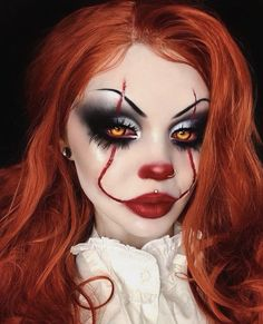Are you looking for ideas for your Halloween make-up? Browse around this site for creepy Halloween makeup looks. Halloween Makeup Clown, Amazing Halloween Makeup, Halloween Eyes, Halloween Makeup Looks, Halloween Nails, Pennywise Halloween Costume, Creepy Clown Makeup, Halloween Halloween, Pretty Halloween