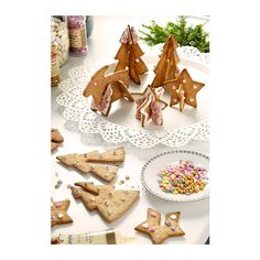 Three-D gingerbread cookies made with VINTERKUL Pastry cutter, set of 6 - IKEA (in store only) Ikea Christmas, Christmas Kitchen, Christmas Baking, All Things Christmas, Christmas Time, Christmas Houses, Xmas, Christmas Tree Cookie Cutter, Christmas Cookies