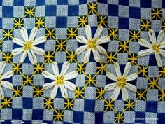 Discover thousands of images about Broderie Suisse, Chicken scratch, Swiss embroidery, Bordado espanol, Stof veranderen.embroidery on gingham Hand Embroidery Stitches, Embroidery Techniques, Embroidery Applique, Cross Stitch Embroidery, Embroidery Patterns, Hardanger Embroidery, Chicken Scratch Patterns, Chicken Scratch Embroidery, Bordado Tipo Chicken Scratch
