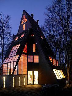 Geometric House by architect Jan Van Den Berghe