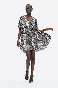 6caff930512b Image 1 of SNAKESKIN PRINT DRESS from Zara Γυναικεία Φορέματα Της Μόδας