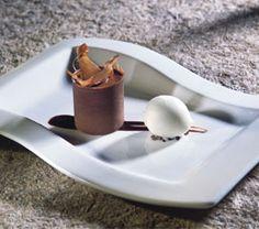 Jordi Roca nos propone una receta compuesta por un delicioso contraste de chocolates y un dulce helado de jengibre.
