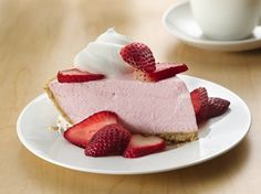 Creamy No-Bake Strawberry Pie - Que Rica Vida