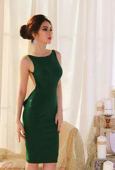 Free delivery | 100% Same Item | Made in Vietnam Green Open Back AED145.00   #dresses #Dubai #UAE #dubaifashionblogger #todayiwore #fashion #lookoftheday #lookbook #mydubai #outfit