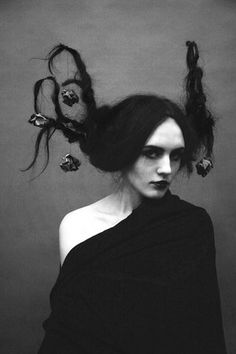 Image discovered by Lady Artista. Find images and videos about girl, black and white and woman on We Heart It - the app to get lost in what you love. Arte Peculiar, Photographie Portrait Inspiration, Dark Photography, Dark Beauty, Macabre, Dark Fantasy, Dark Art, Art Reference, Fairy Tales
