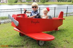DIY Airplane Play Structure Plans - #dan330 http://livedan330.com/2015/07/07/diy-airplane-play-structure/