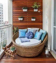 MINI TERRAZAS...un petit espace extérieur... optimisez le..bois, osier...tout peut se faire facilement...et si vous manquez d'idée contactez nous, on sait faire et faire faire... www.spaarabat.com