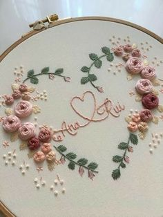Hand Embroidery Patterns Free, Hand Embroidery Videos, Hand Embroidery Flowers, Hand Work Embroidery, Embroidery Sampler, Simple Embroidery, Modern Embroidery, Embroidery Hoop Art, Ribbon Embroidery
