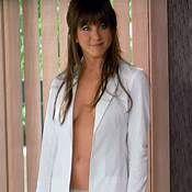 Jennifer Aniston See Through See Thru Dresses, See Through Dress, Jennifer Aniston, Celebrity Bikini Bodies, Gucci Floral, White Bikinis, Pippa Middleton, Hollywood Celebrities, Nicki Minaj