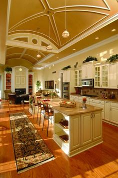 HUGE kitchen... long and open air concept  #DreamKitchen