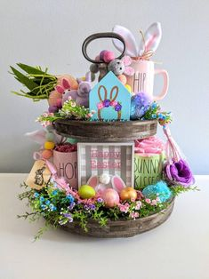 Easter Bunny Decorations, Easter Decor, Easter Ideas, Easter Centerpiece, Easter Wreaths, Centerpieces, Table Decorations, Happy Easter Bunny, Felt Bunny